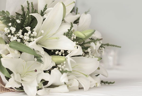 white lilies for an elegant date