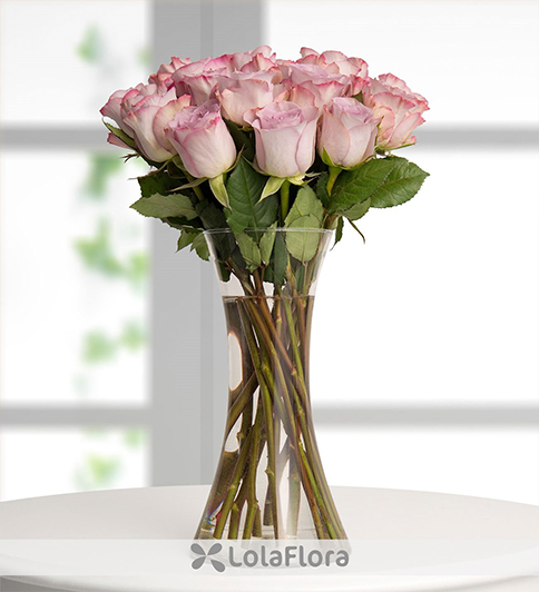19 lilac roses