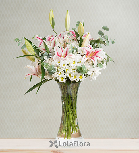 pink lilies and daisies